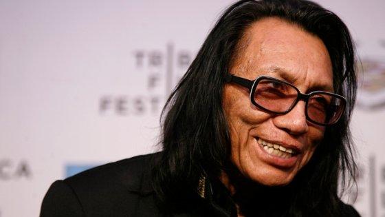 clanek_Sugar Man Rodriguez zazpívá na Rock for People