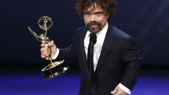clanek_Ceny Emmy získaly Hra o trůny a seriál o ženě, která se v 50. letech stane komičkou